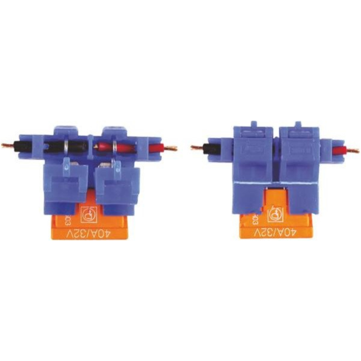 Fuseholder for blade fuses